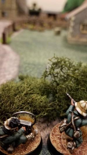 Italian artillery scanning for target.
